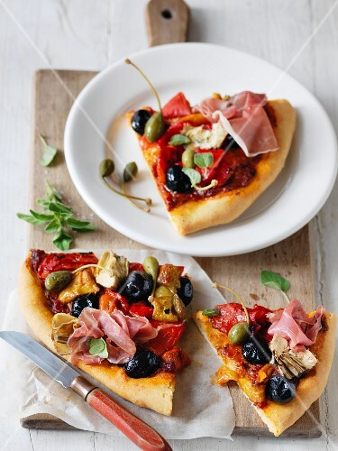 Antipasto di pizza (pizza slices as an appetiser, Italy)