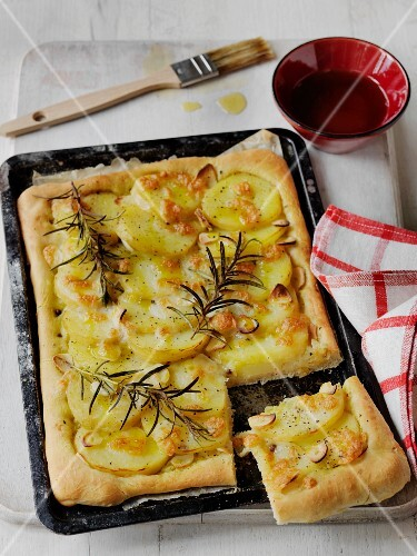 Pizza di patate (potato pizza with rosemary, Italy)