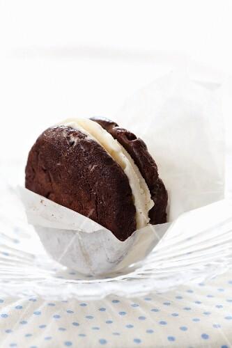 Chocolate ice cream cookie