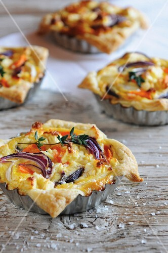 Sweet potato and carrot tartlets with red onions
