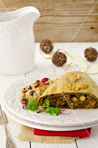 Christmas strudel filled with aubergines, chickpeas and capers