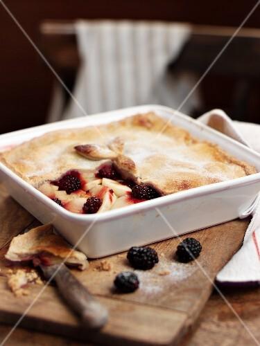 Apple-boysenberry pie in the baking tin