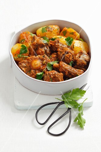 Oxtail ragout with potatoes