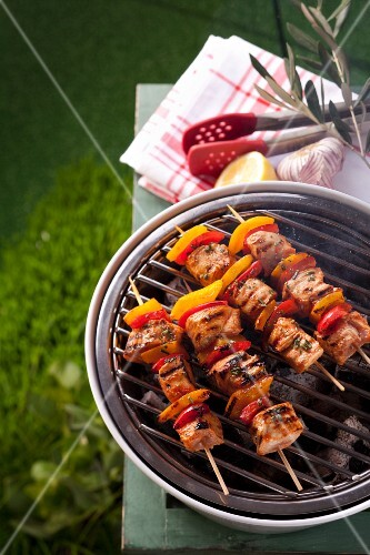 Chicken and pepper kebabs on a barbecue