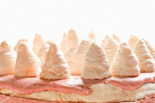 Raspberry meringue cake