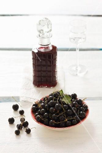 Blackcurrant liqueur and fresh blackcurrants