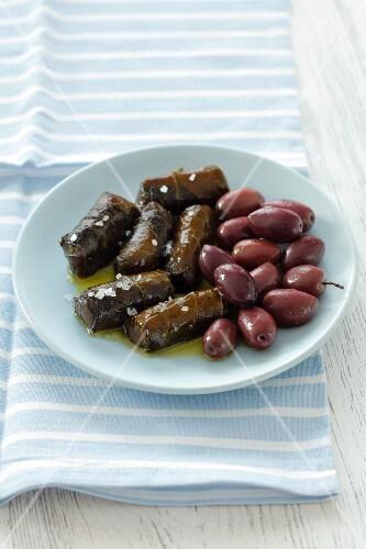 Dolmadakia and kalamata olives (Greece)