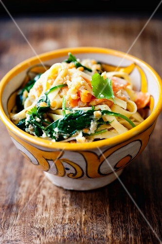 Tagliatelle with spinach and lentils