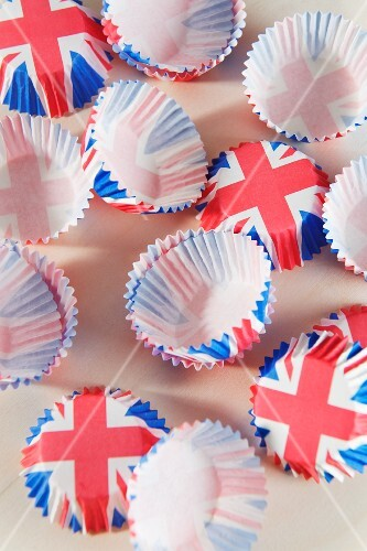 Union Jack cupcake cases