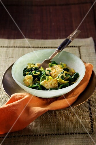 Spinach with paneer cheese (Ayurvedic cuisine)