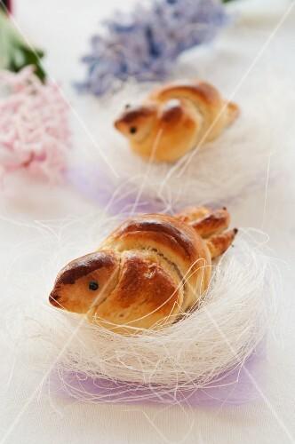Bird-shaped bread in mini nests