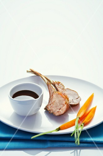 Lamb chops with carrots and a red wine sauce