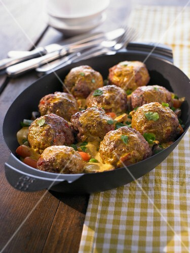 Minced meat and vegetable curry