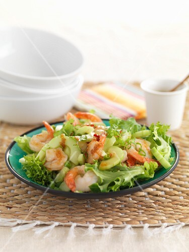 Lollo biondo lettuce with king prawns and cucumber