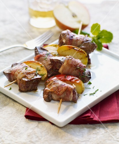 Turkey liver with Calvados apple wedges