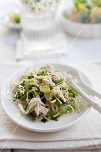 Radish salad with chicken