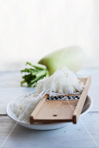 Radish, whole and grated