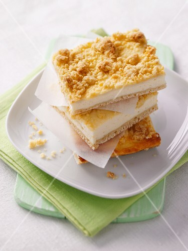 A stack of quark crumble cake slices