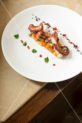 Monastero Santa Rosa: squid on a bed of pickled vegetables