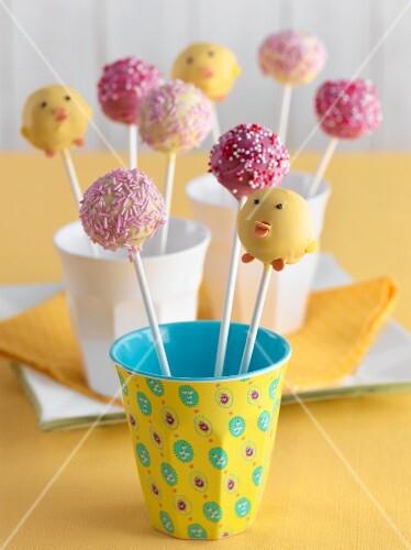 Cake pops in cups