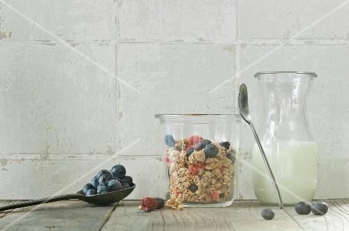Muesli with fresh blueberries and dried raspberries