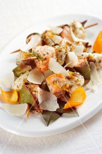 Fish kebabs with salmon and monkfish