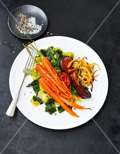 Oven cooked vegetables with mashed potatoes (Vegan)