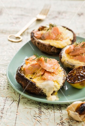 Mushrooms stuffed with Norwegian salmon and mascarpone