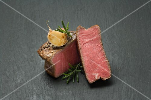 Beef fillet with garlic and rosemary