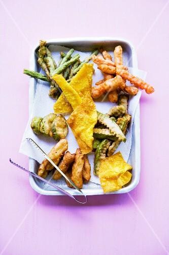 Pak Tschub Bäng Thod (mixed vegetable tempura, Thailand)