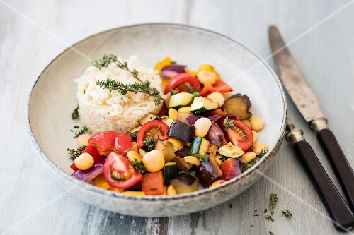 Ratatouille with lupines, thyme and cauliflower rice