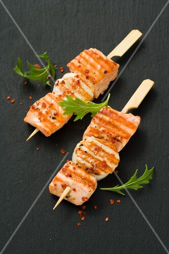 Salmon and scallop kebabs with chilli flakes