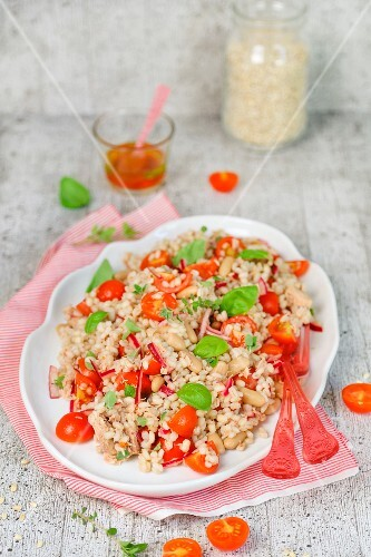 Orzo salad with cherry tomatoes and basil