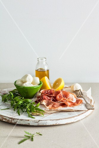 Ingredients for Proscuitto salad