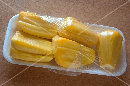 Packaged jackfruit without seeds