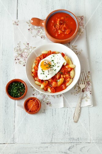 Gnocchi with amaticiana sauce and a fried egg