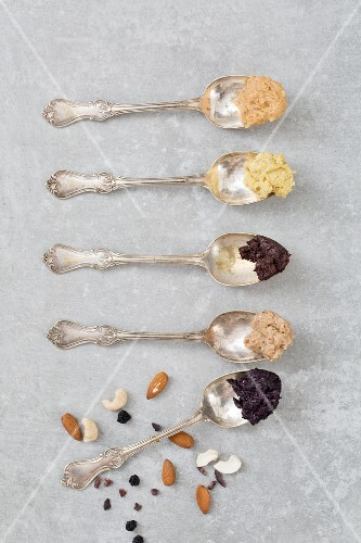Cashew nut butter with cacao, cashew nut butter, almond butter with blueberries, almond butter and peanut butter