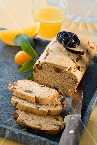 Liquorice loaf cake