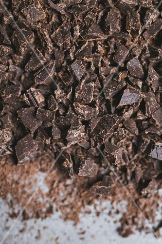 Chopped chocolate (seen from above)