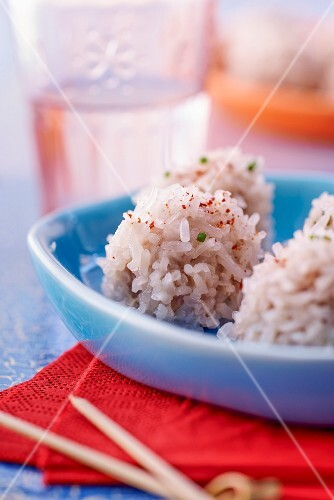 Pork and sticky rice balls