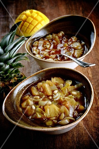 Spicy pineapple and mango sauce