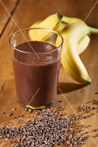A Banana and chocolate smoothie with ingredients