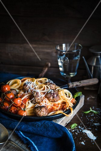 Pasta with meatballs and cherry tomatoes