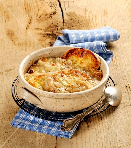 Onion soup with toasted cheese croute