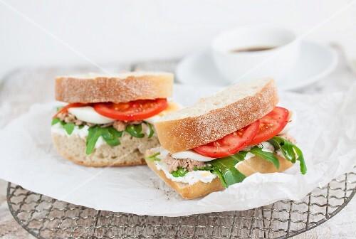 Ciabatta sandwiches with tuna fish, quark, rocket, tomatoes and egg