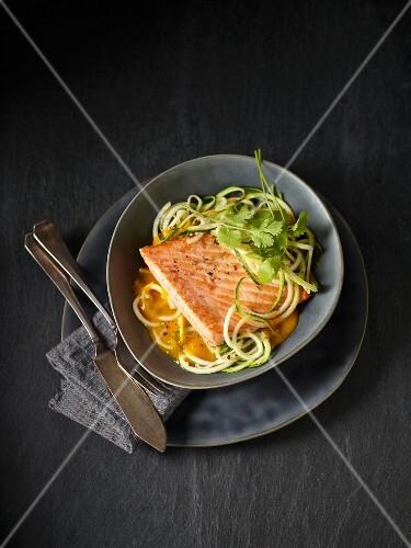 Salmon fillet on courgette spaghetti with pumpkin cream