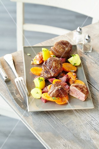 Veal fillet with rhubarb and carrots