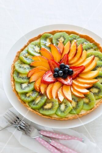 Fruit and vanilla cream flan