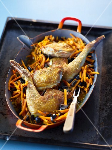 Guinea fowl with Hokkaido pumpkin and olives