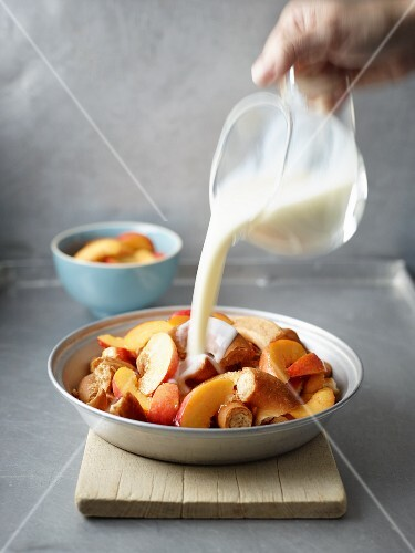 Pretzels with fruit and buttermilk